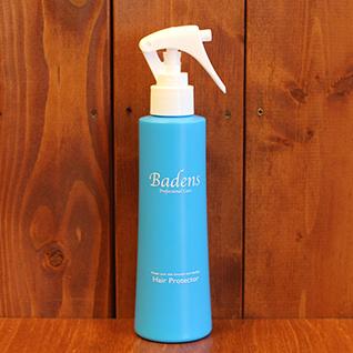 バーデンス ヘアプロテクター 200ml傷んだ髪を「補修しながら護る」ブローローション。 枝毛・切れ毛などセラミドポリマーでコーティング。 冬でも乾燥しない水分調整作用のあるレシチンポリマーでキューティクルと潤い保護。 ブラッシングの摩擦、ドライヤー・カーラー・アイロンなどの熱、紫外線による乾燥、タバコなどのイヤな臭いなどの付着を防ぎます。 髪のまとまりが良く、仕上がりに差が出ます。 更に… グアイアズレン配合(髪を彩り艶やかに白髪の黄ばみを抑える) チャ葉エキス配合(優れた消臭効果) 植物エキス各種配合(収れん・抗菌・抗酸化・保湿・消炎・血行促進・抗炎症作用)