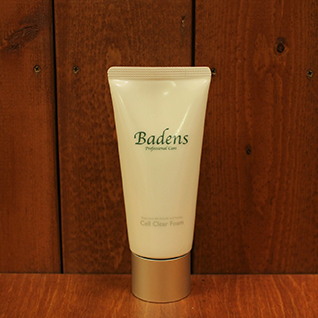 バーデンス セルクリアフォーム100g 皮膚刺激となる遊離アルカリを最小限に抑えた低刺激洗顔料。クリーミーだ弾力ある泡が、ぬるま湯でも良く泡立ちます。潤いとハリを求める方へ。
