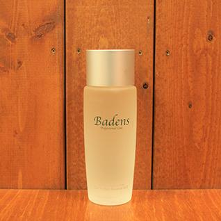 バーデンス セルパーフェクトエッセンス120ml 高機能安全コスメシリーズの化粧水は2種類。 LV1(整肌用化粧液)肌がべたつきやすい方、ニキビができやすい方用。メイクなどの刺激から肌の表面を護りながら、キメをを整えハリと弾力のある肌へ。 LV2(保湿用化粧液)乾燥しやすい方用。肌の表面を優しく保護するとともに優れた保湿力で潤いと弾力のある肌へ。