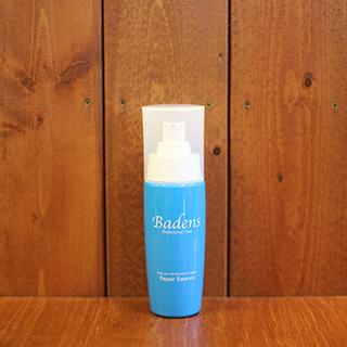 バーデンス リペアエッセンス90ml洗い流さないアウトバストリートメント。 パサつき、ゴワゴワ、切れ毛枝毛、白髪の黄ばみなどのダメージヘアを、ブラッシングの摩擦、ドライヤーなどの熱、紫外線などの日焼け乾燥からプロテクトし、サラツヤ髪に。 ドライヤーの熱でも分解しない高品質な100%植物油。 特長成分のグアイアズレンは白髪の黄ばみを抑え目立たなくする効果があります。