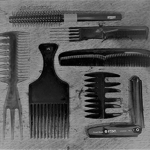 COMB&BRUSH